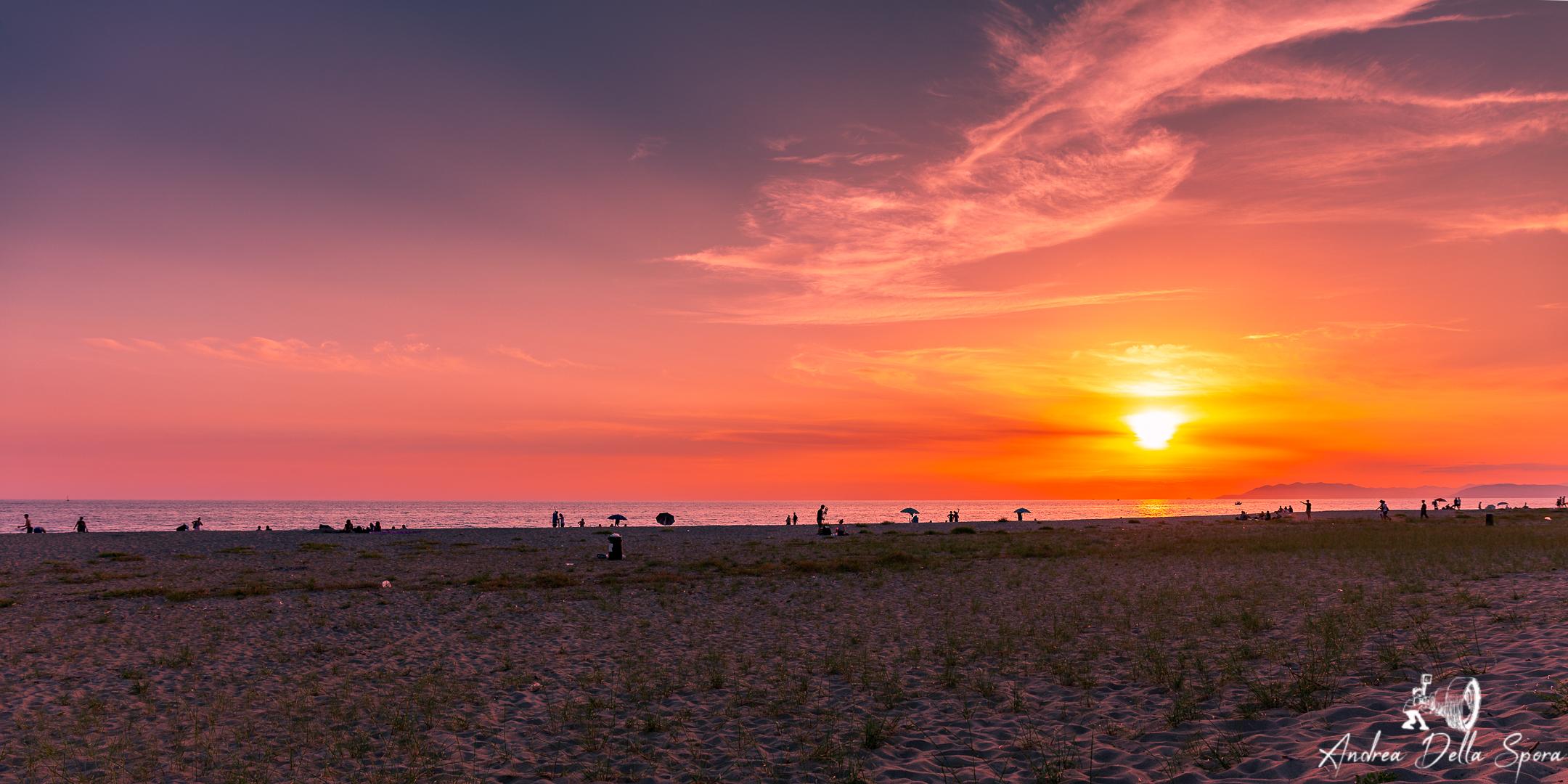 FREE BEACH – VIAREGGIO